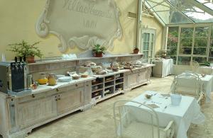Tuscany Holidays BREAKFAST
