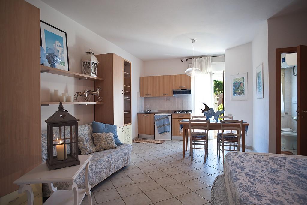 living in un monolocale al mare : Vacanze in Residence al mare in Toscana, vicino a Vada